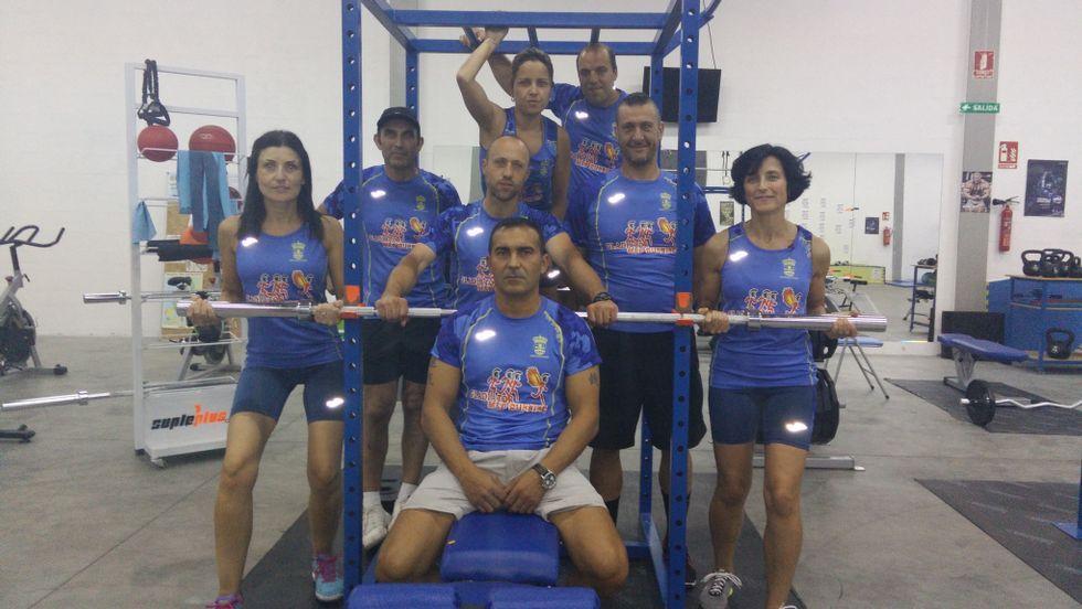 Parte de los integrantes del M&P Running de A Estrada que participará en la prueba compostelana.