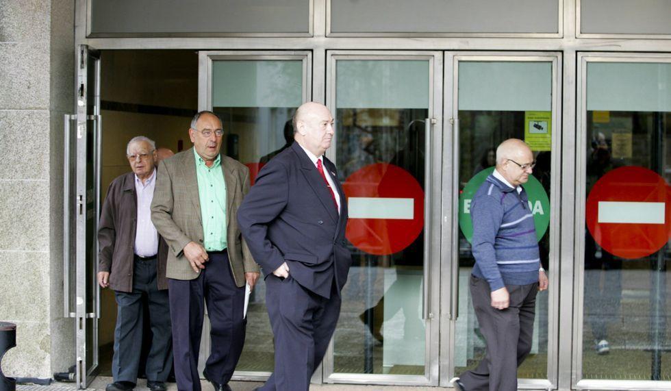 Vigilancia Aduanera registra las oficinas del servicio de Intervención Municipal del Concello de Pontevedra.En la causa están imputadas trece personas.