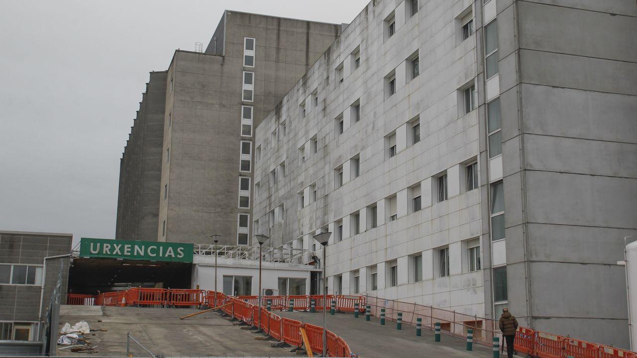 Entrada del servicio de Urgencias del hospital Arquitecto Marcide