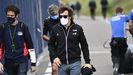 El piloto español llegando al primer entrenamiento previo al Gran Premio de Austria