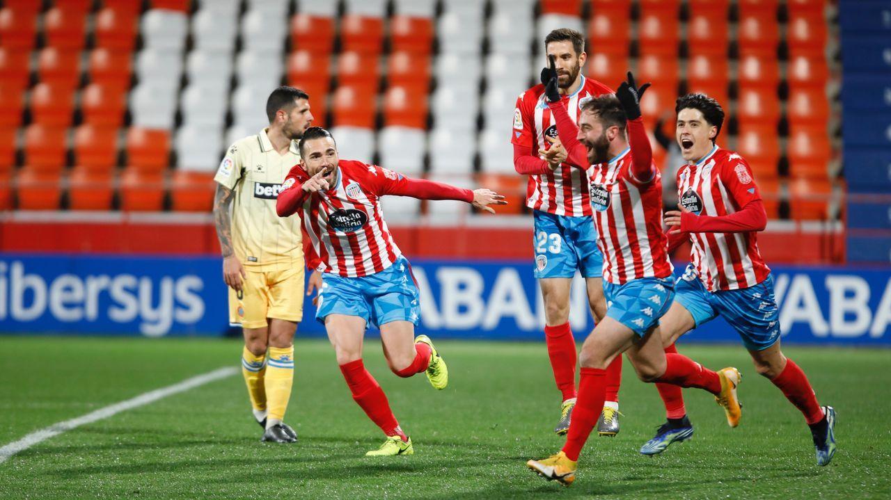 Jugadores del Oviedo en El Requexón