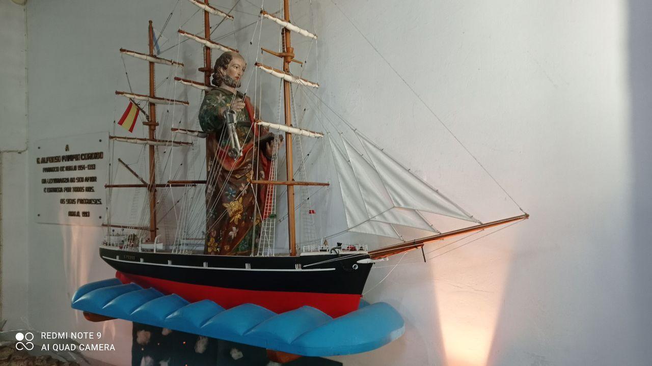 El homenaje de Ferrol al personal sanitario por San Xiao.O exvoto restaurado pola tataraneta do supervivinte dun naufraxio en 1871