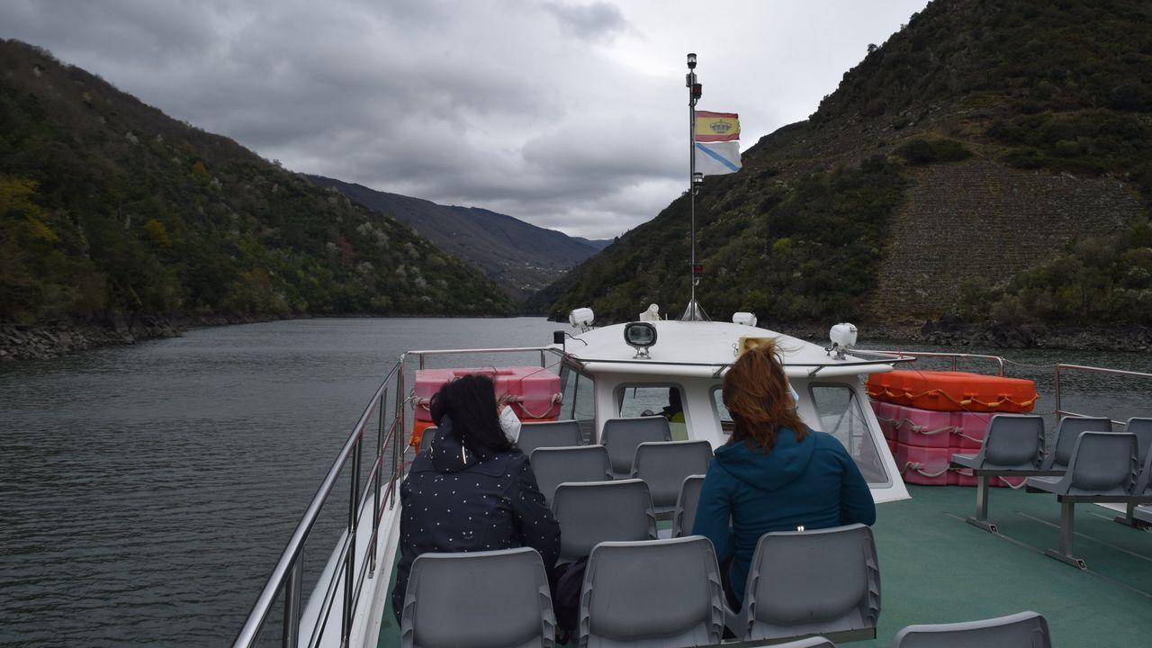 En las embarcaciones turísticas de la Diputación han viajado más de 2.500 usuarios desde que arrancó la actual temporada