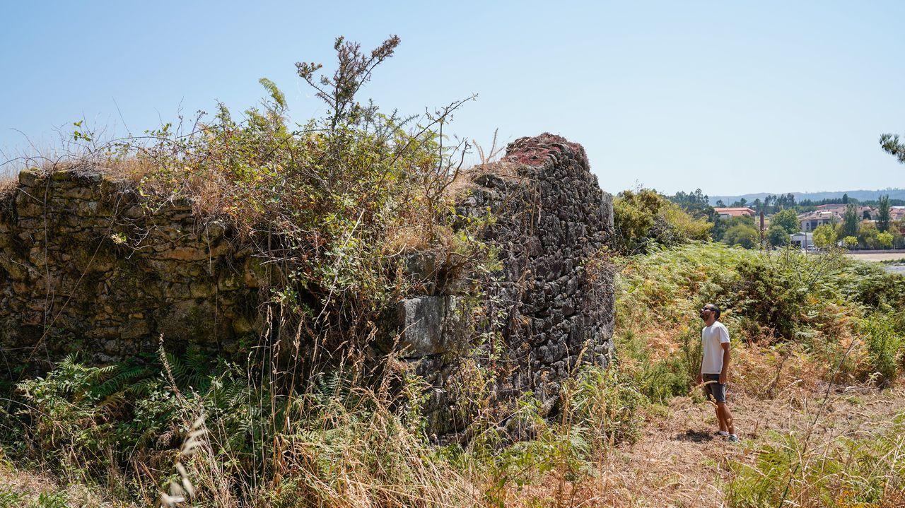 La telleira de Quintáns solo conserva sus muros perimetrales, la estancia de los dueños y el horno