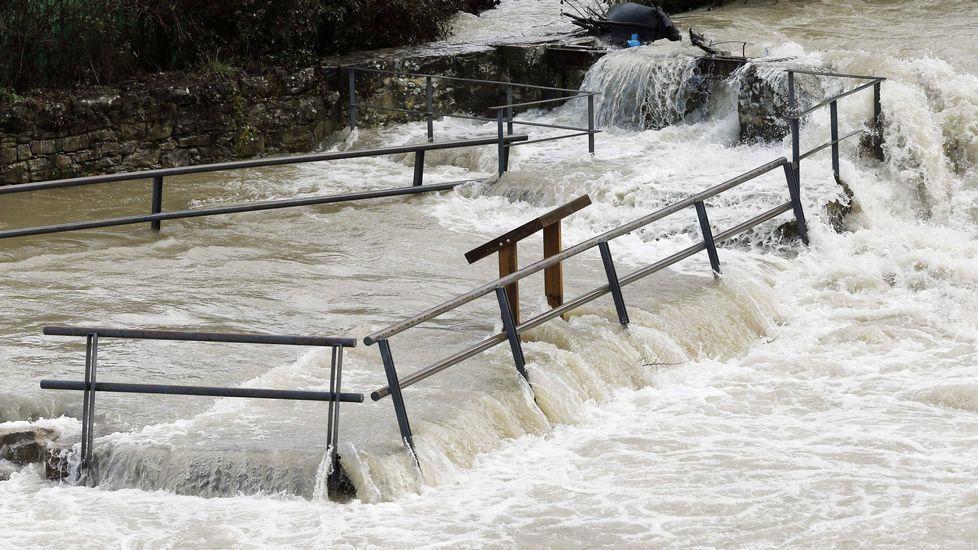 Alerta en Navarra por la crecida de los ríos.Tudela