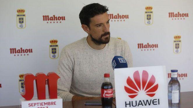 Anquela Carlos Tartiere Horizontal.Alineación del Oviedo ante el Granada