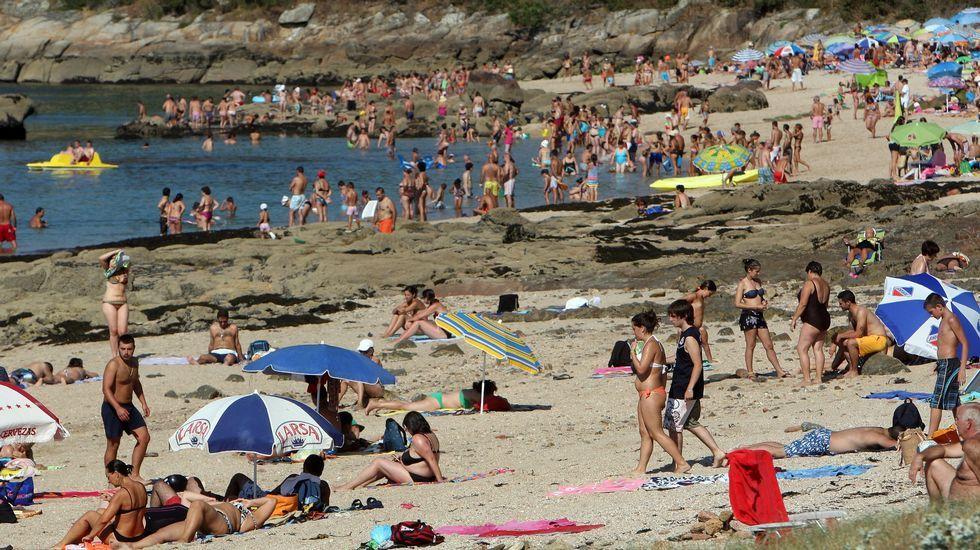 Playa de Retorta, en Boiro.Playa Area de Secada, en Illa de Arousa