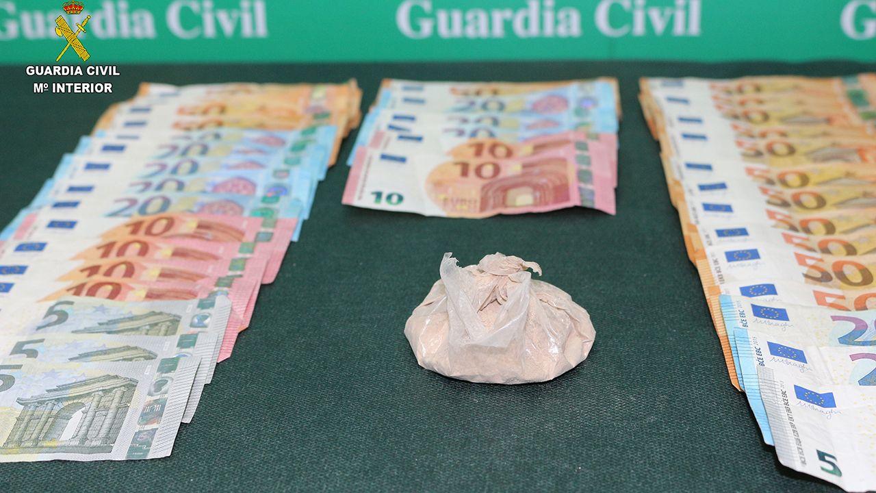 La nueva PO-308 entre Portonovo y Major.Heroína y dinero en efectivo incautado por la Guardia Civil en Carreño