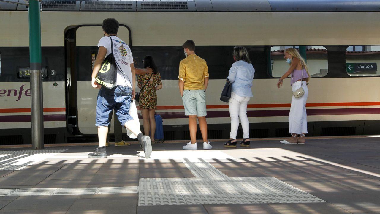 Aglomeración tren en Asturias.Tren de Renfe