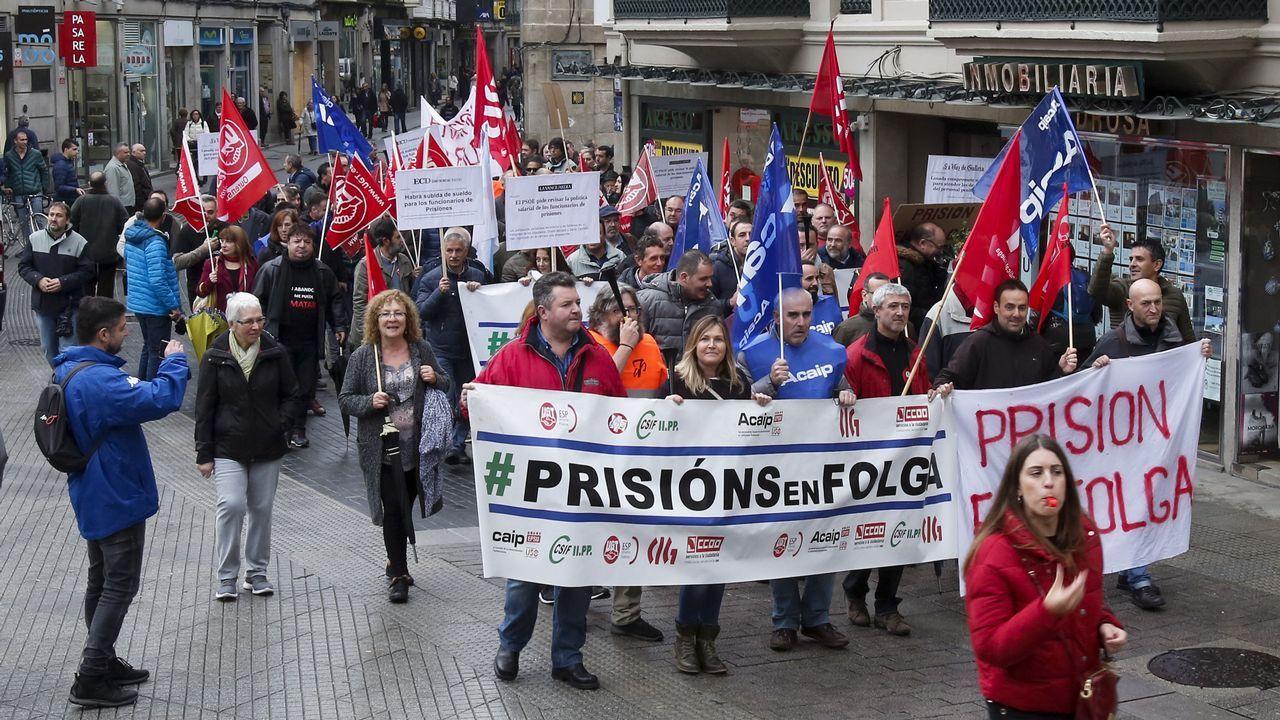 Manifestación de funcionarios de prisiones.Tras ser detenido, Iván Añón fue trasladado entre grandes medidas de seguridad