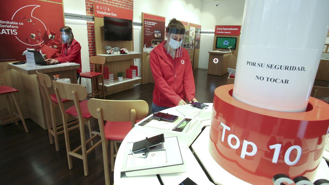 La tienda de Vodafone de Odeón vuleve a funcionar desde el lunes con cita previa y horario reducido