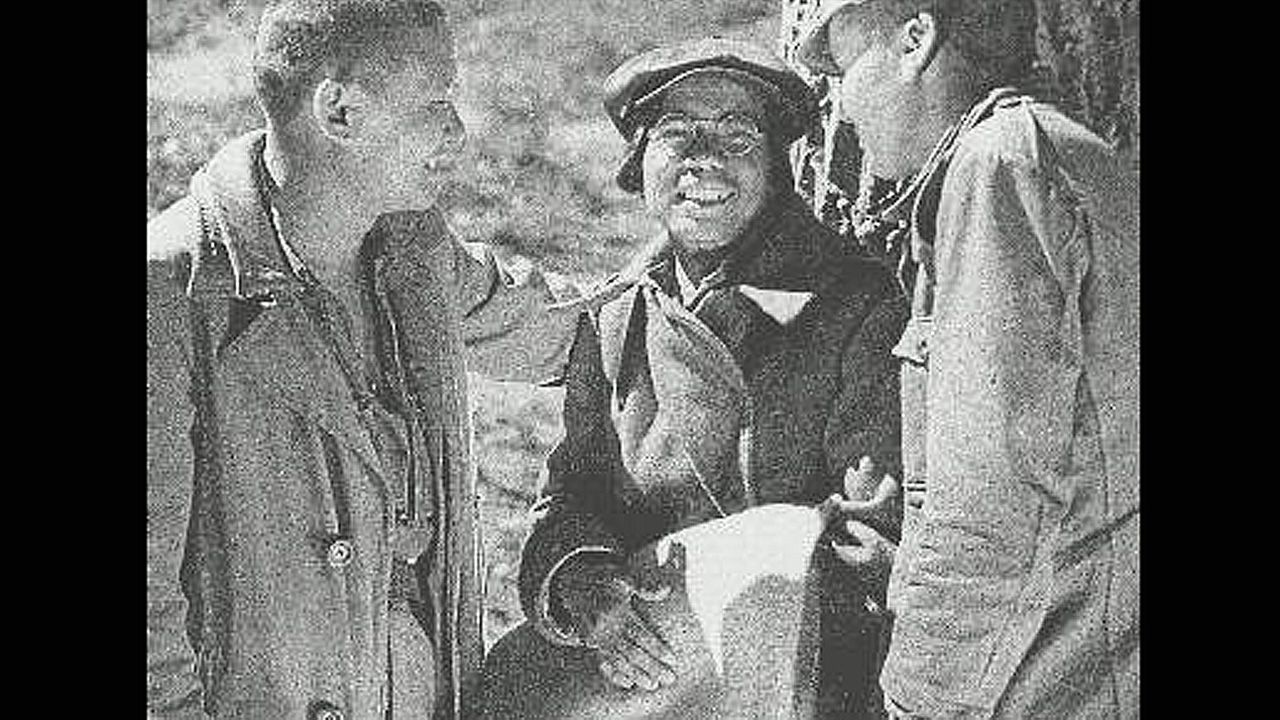 A Mariña recordará con gran cariño a la escritora Luz Pozo.El brigadista Chino Akin Chang, durante su cautiverio en el campo de San Pedro de Cardeña (Burgos) tras ser detenido en Asturias en 1937