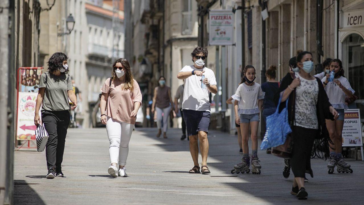 Vecinos de la ciudad, entre Santa Eufemia y la Praza Maior