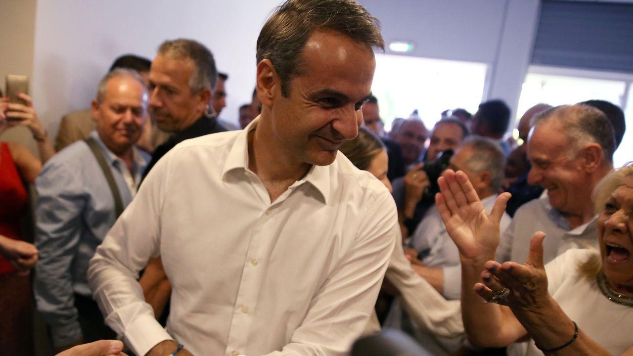 Kyriakos Mitsotakis, a su llegada a la sede del partido conservador en Atenas