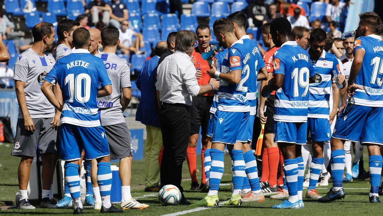 Nano y Cotugno en el Almería-Oviedo de la 17/18