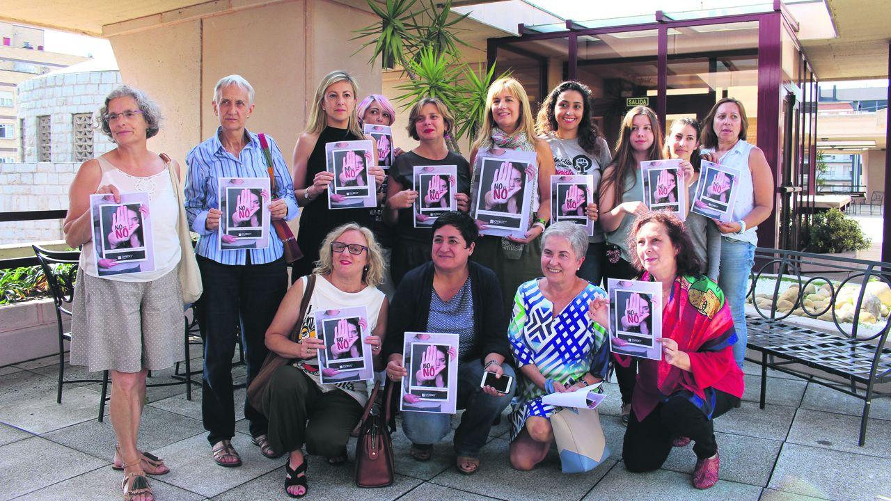 Fachada del Ayuntamiento de Oviedo en el Día Internacional paa la Eliminación de la Violencia hacia las Mujeres