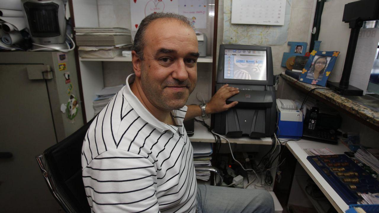 Miguel Reija, delegado de Loterías, tras declarar ante el juez.Manuel Reija, el lotero coruñés, en una imagen de archivo