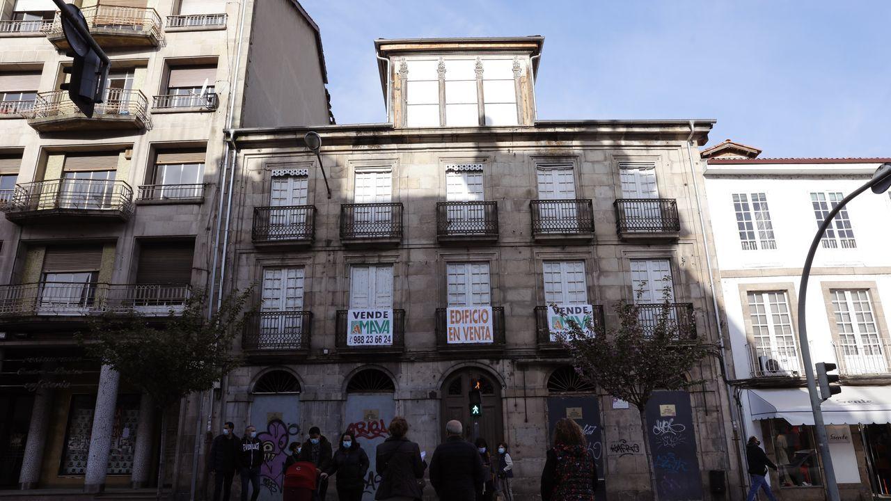 Edificio a la venta en la rúa Progreso y en el que se permiten cuatro alturas y un ático
