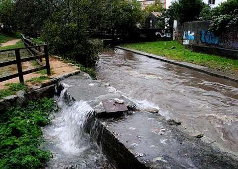 El nuevo colector tendría que resolver los desbordamientos de los pozos del Gafos cuando llueve.
