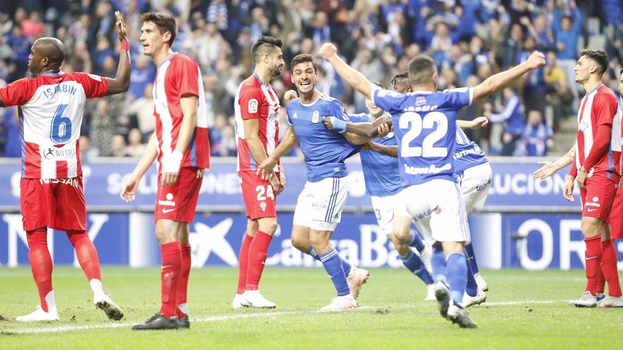 Gol Alanis derbi Real Oviedo Sporting Carlos Tartiere.Alanís celebra el 2-0 ante el Sporting