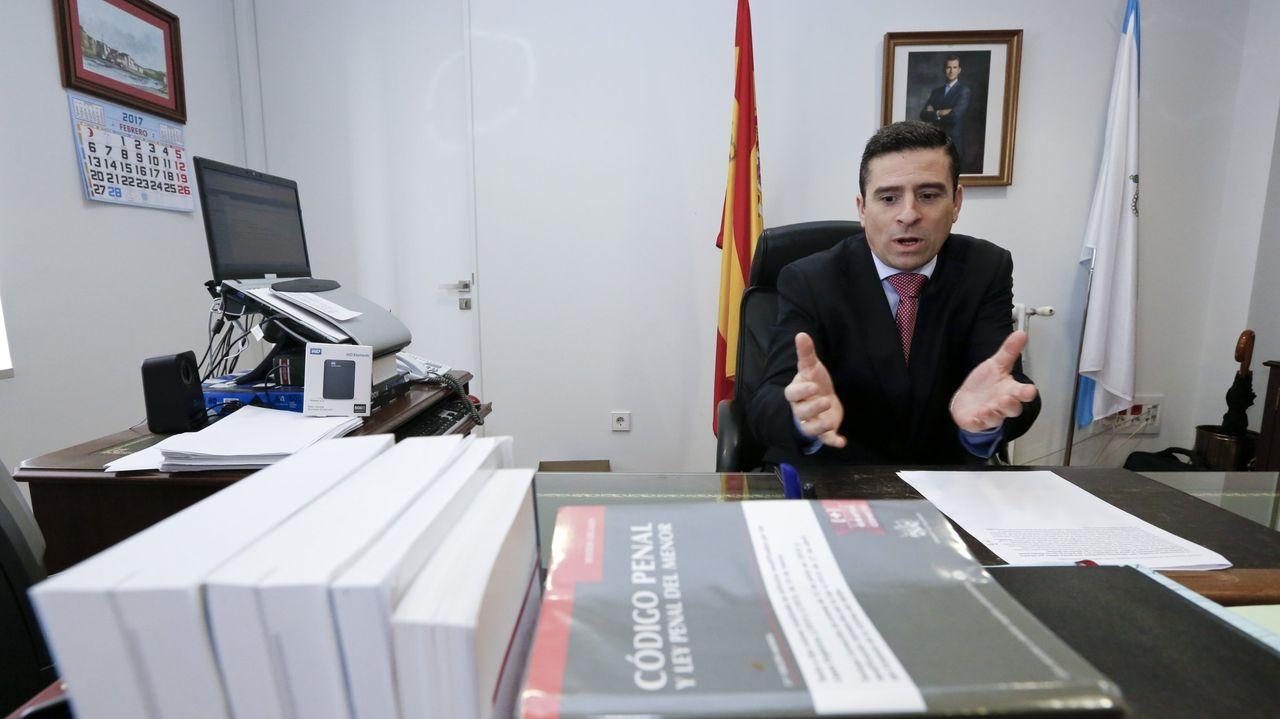 Gerardo Malla, con Kity Manver y Toni Cantó en una imagen del 2013.Roberto Brezmes, Fiscal Jefe de Lugo
