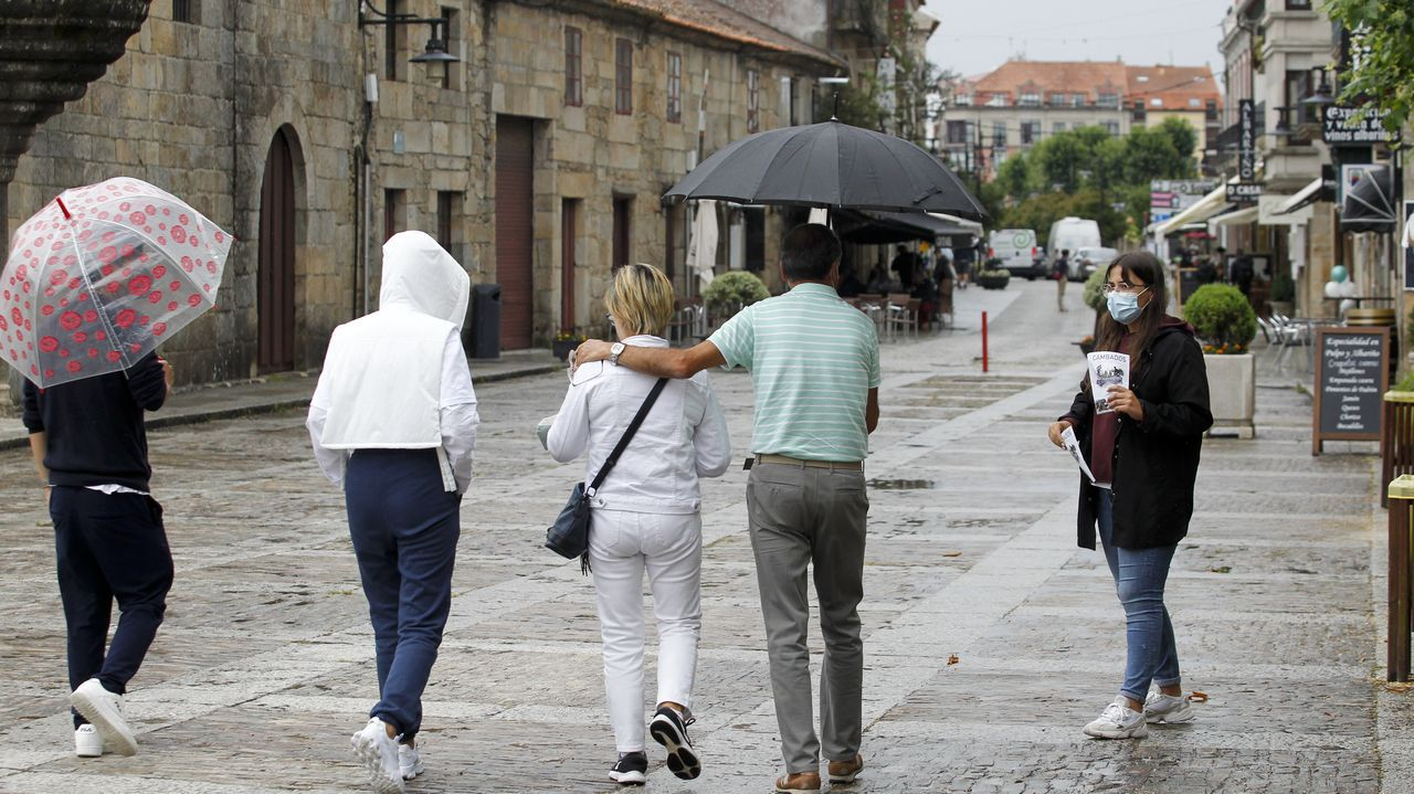 Tres chapuzones diferentes.El cribado entre los jóvenes se desarrolló en Vilagarcía