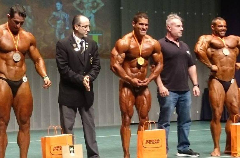 Los relevos ejecutados.Carlos Blanco, en el centro, en el campeonato nacional de Cartagena donde obtuvo el título.