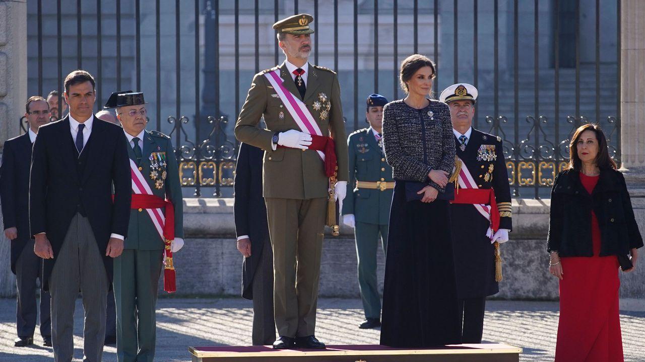 Los reyes presiden la tradicional celebración de la Pascua Militar.Viaducto del Ulla en el AVE entre Santiago y Ourense