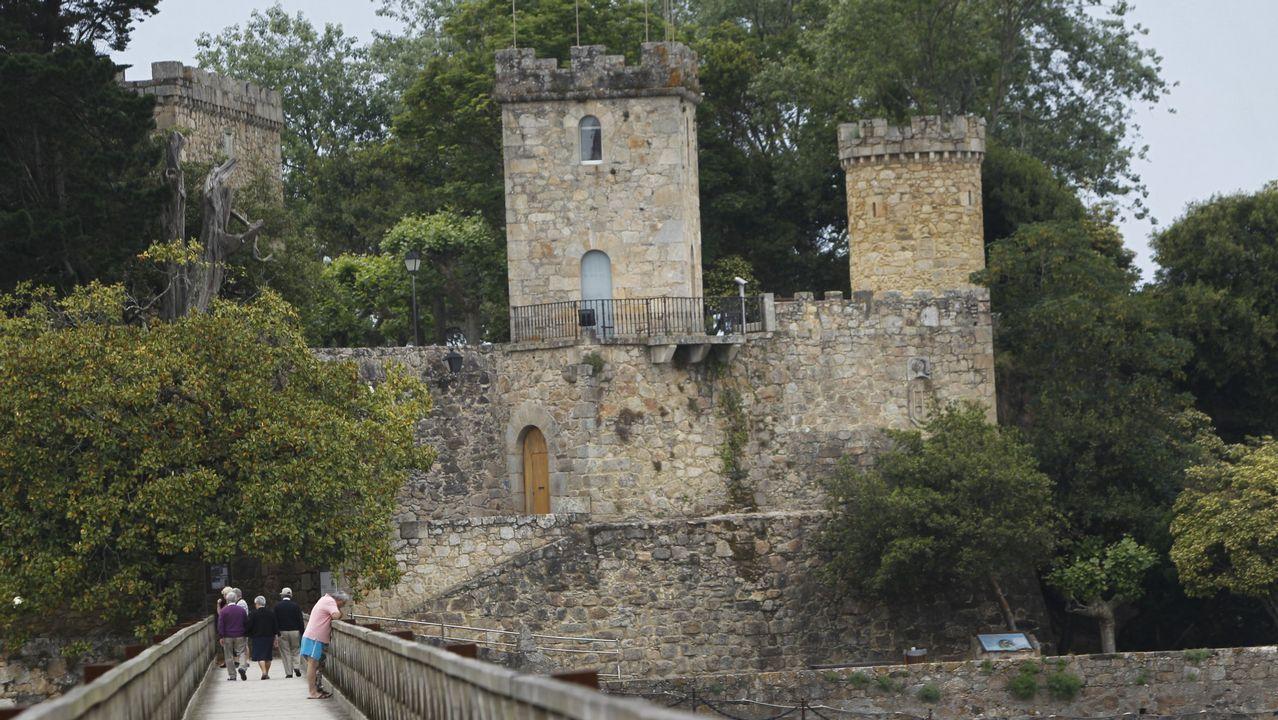 Castillo de Santa Cruz, Oleiros