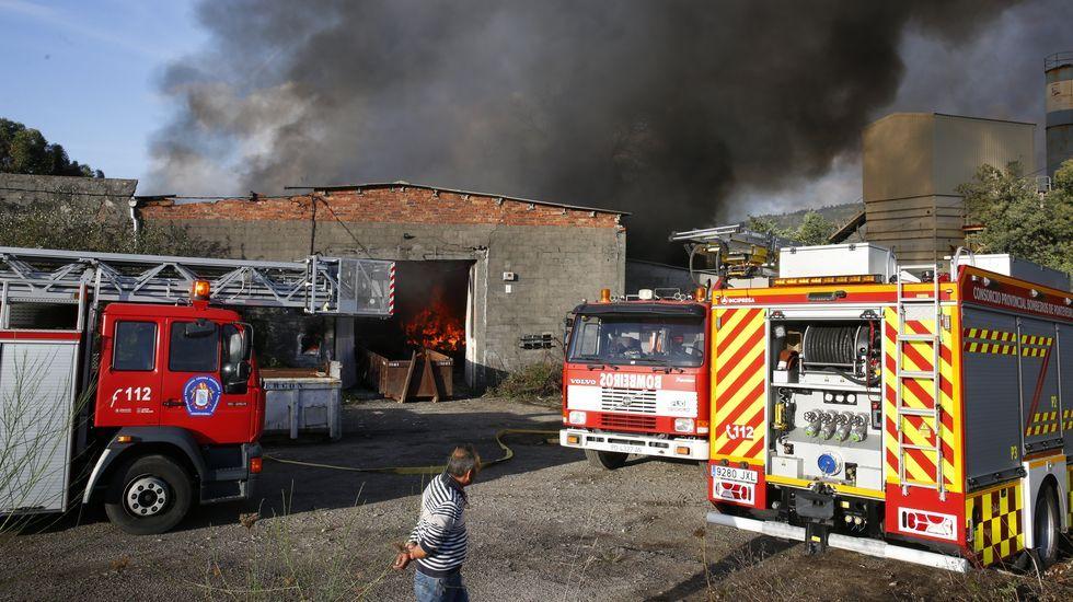 Accidente con tres muertos en la Ap-9 en Vigo.Contenedores de la calle Jenaro Suárez Prendes, en donde apareció el cadáver de un bebé