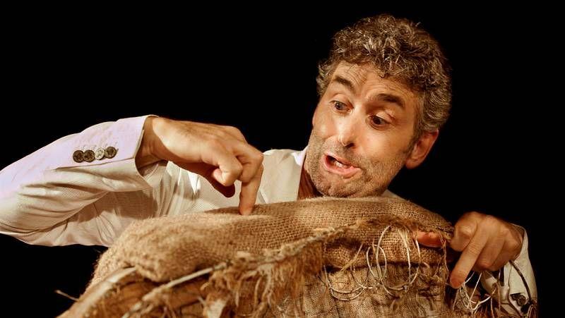 Galicia guarda silencio por las víctimas.Pablo Alborán actuará en Vigo el día 14.