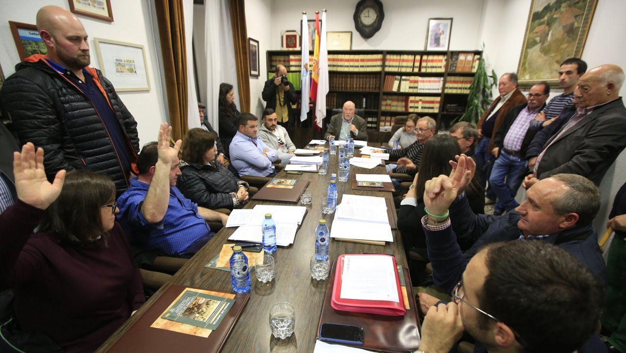Pleno de Monterroso donde se escenificó el gobierno ahora roto