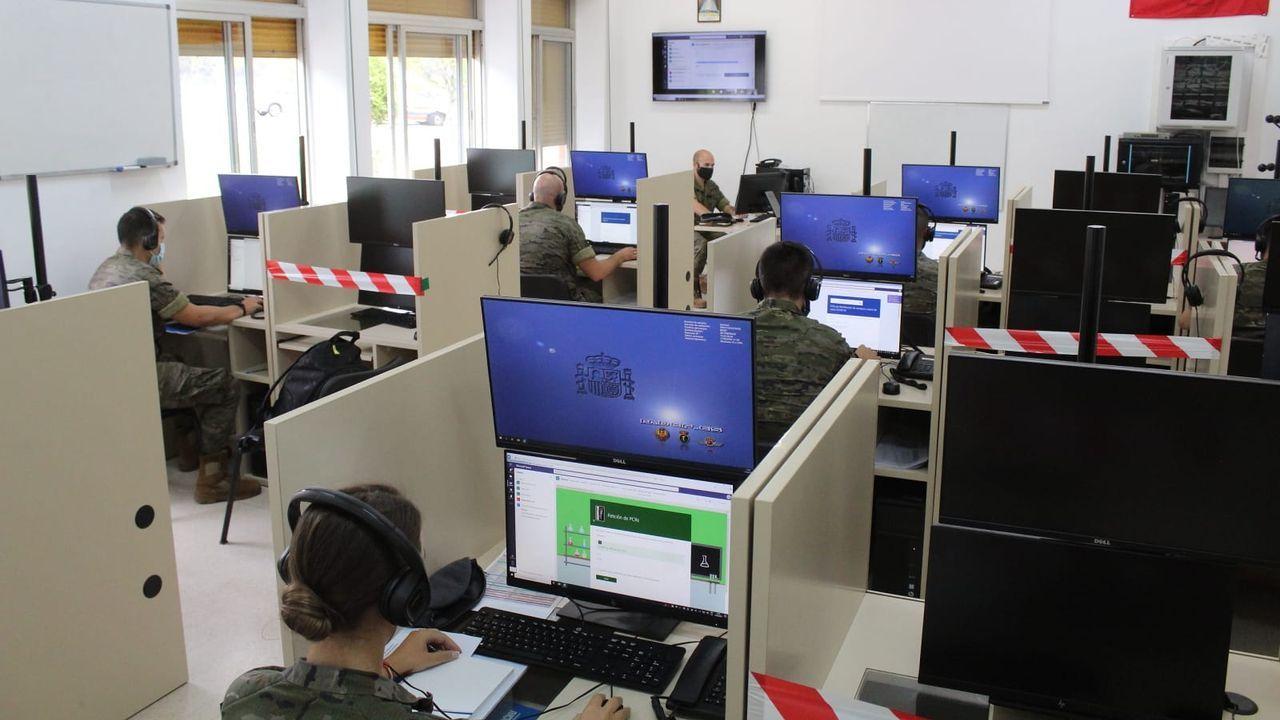 Los rastreadores de la Brilat en una jornada de formación en la base de Pontevedra