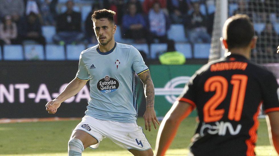 Michu Real Oviedo Nastic Carlos Tartiere.Los jugadores del Oviedo calientan en las instalaciones de El Requexón