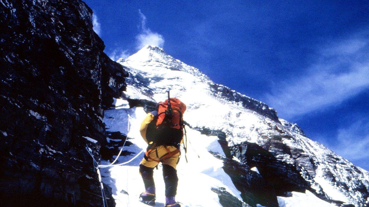 Chus Lago, en su ascenso al Everest