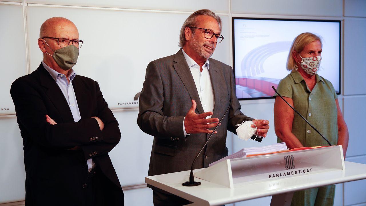 Los expresidentes del Parlamento catalán Joan Rigol, Ernest Benach y Núria de Gispert