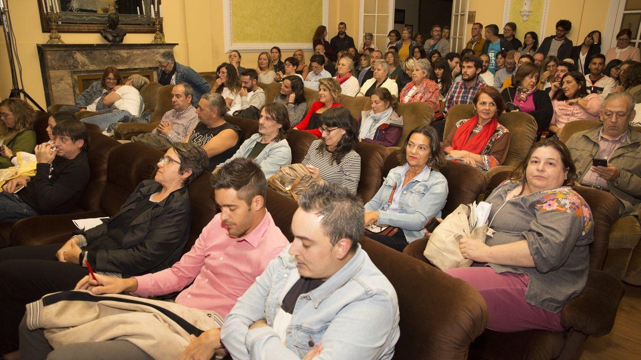 Público asistente para ver a ArtesaCía y su «Chola a it girl»