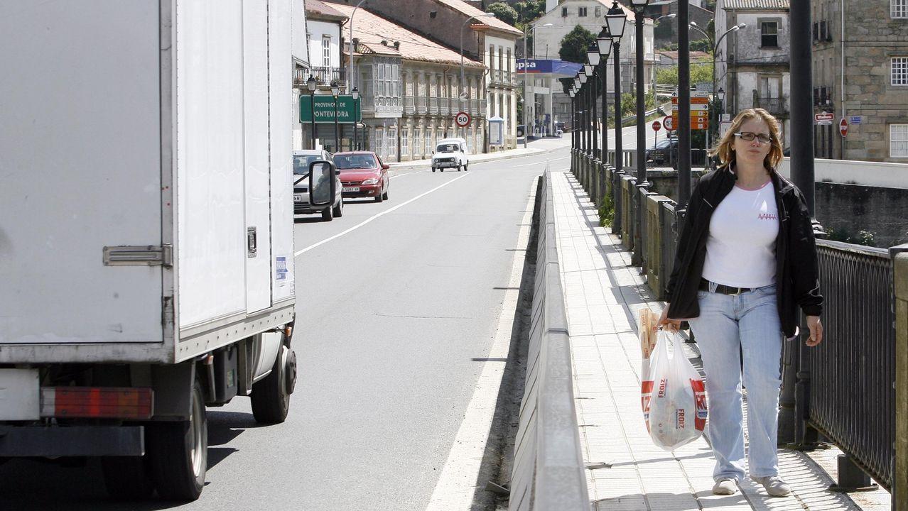 Gómez-Reino, na praza da Fariña da Coruña, onde iniciou a súa actividade política hai seis anos
