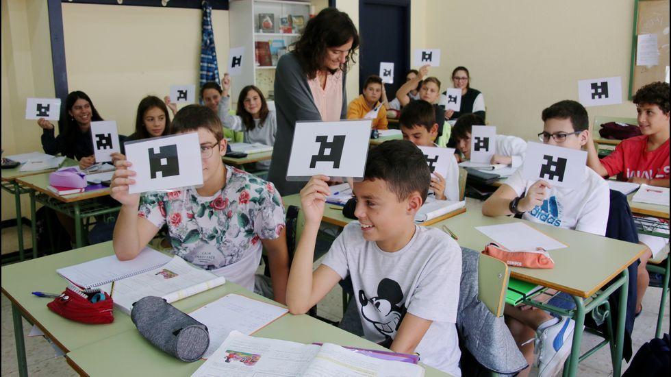 Clase de Matemáticas en segundo de ESO en el IES As Mariñas (Betanzos) con la profesora Sofía Cendán Castillo
