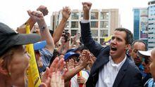Juan Guaidóanuncia que asume la Presidencia de Venezuela