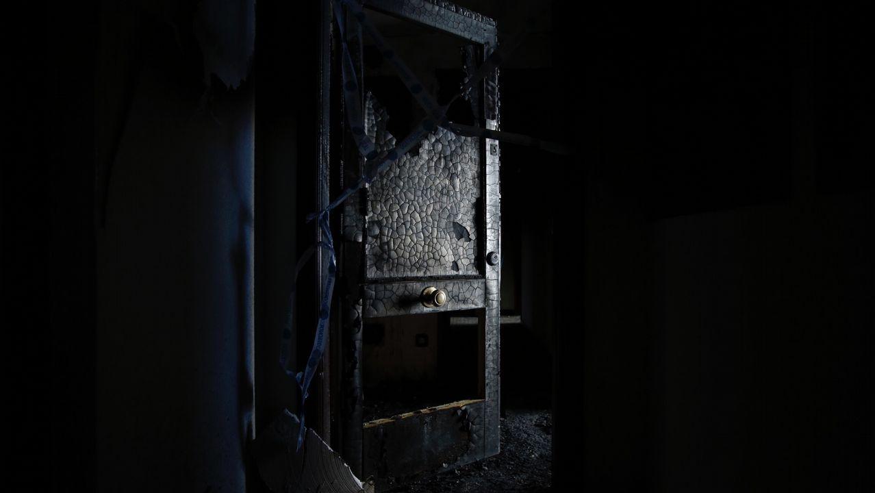 Así quedó la vivienda incendiada en As Lagoas