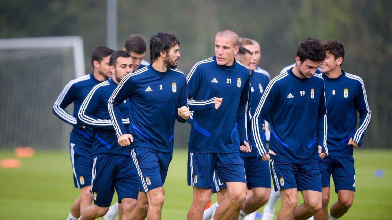Arribas Alex Lopez Real Oviedo Extremadura Carlos Tartiere.Jugadores del Real Oviedo en El Requexón