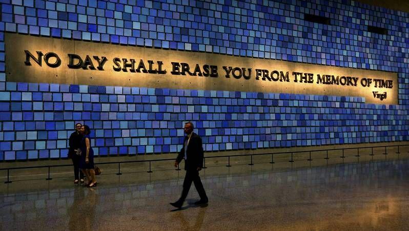 El Memorial, un recuerdo para héroes y víctimas.Los actores January Jones, Ethan Hawkey y Zoe Kravitz durante el pase gráfico de la película «Good Kill»