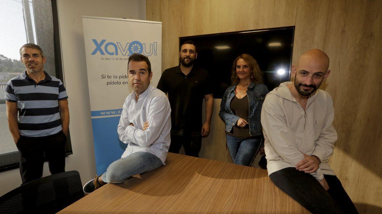 Ence en la encrucijada.Parte del equipo de Xavou, uno de los productos de la veterana Innovatec Galicia, que lleva 15 años dando soluciones informáticas al sector de la hostelería