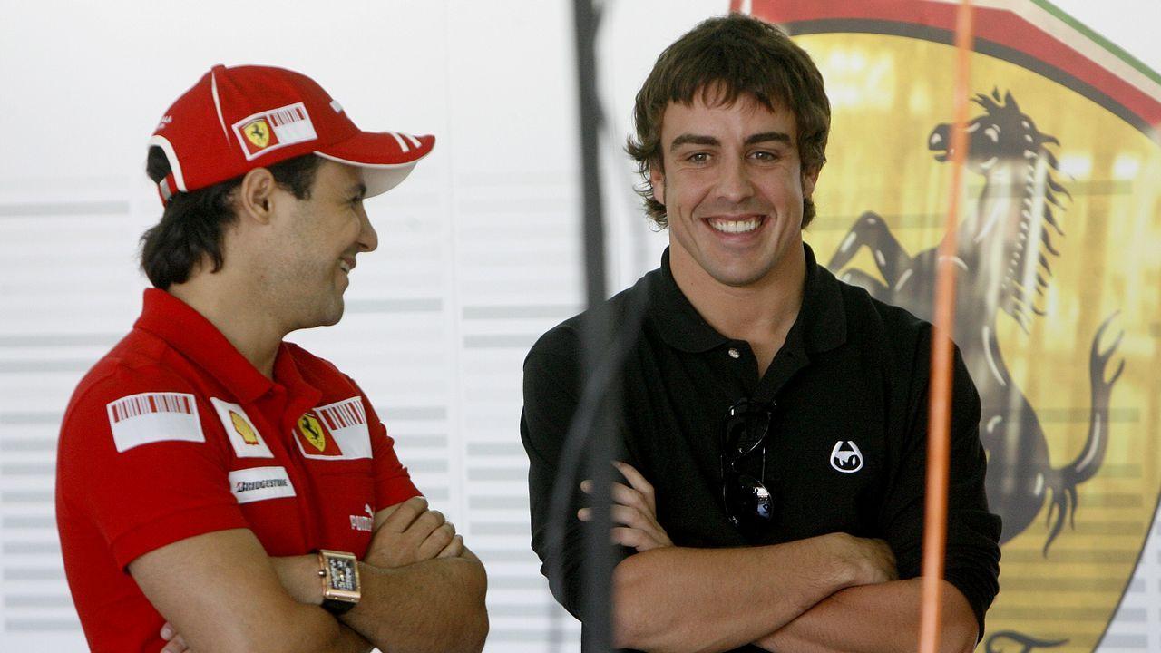 Charlando con Massa, uno de sus compañeros en Ferrari
