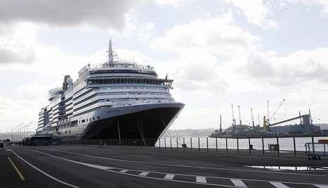 ¿Qué le parecieron las Fiestas de María Pita?.El lujoso «Queen Victoria» atracará en el puerto coruñés el próximo domingo.