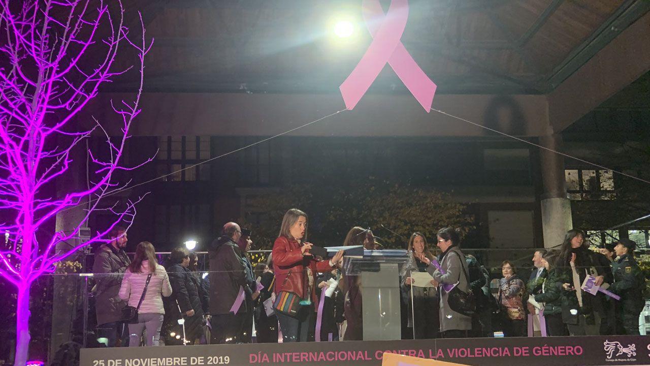 Concentración contra la violencia de género en Gijón