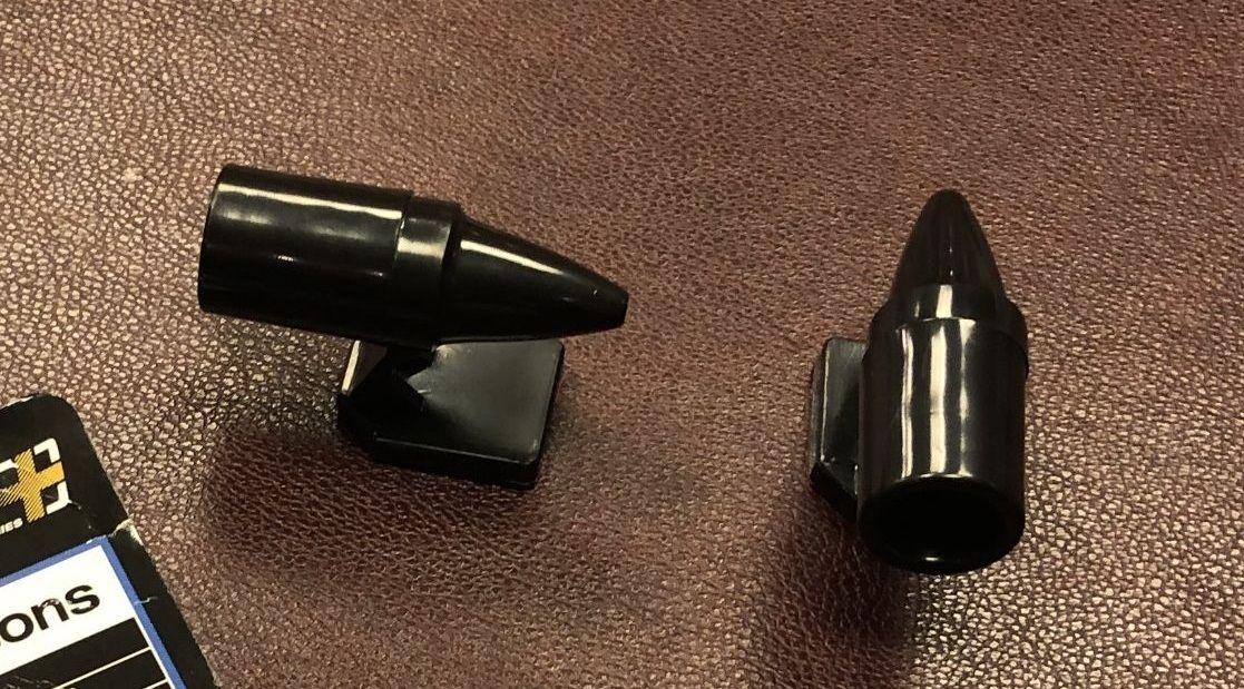Los dispositivos ahuyentadores se colocan en la parte frontal de los coches y emiten unos sonidos que perciben los animales