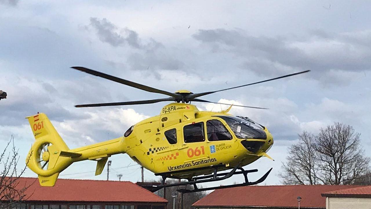 Foto de archivo del helicóptero del 061