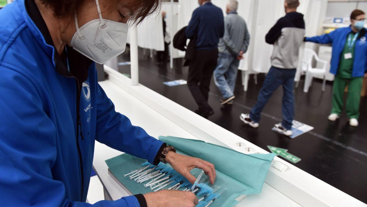 Vacunación masiva del covid-19 en Expocoruña
